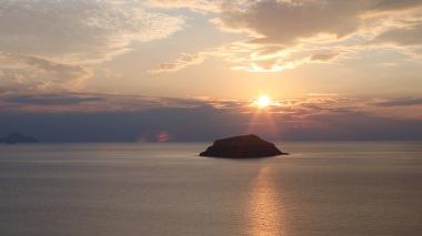 45-Sunset aspronisi